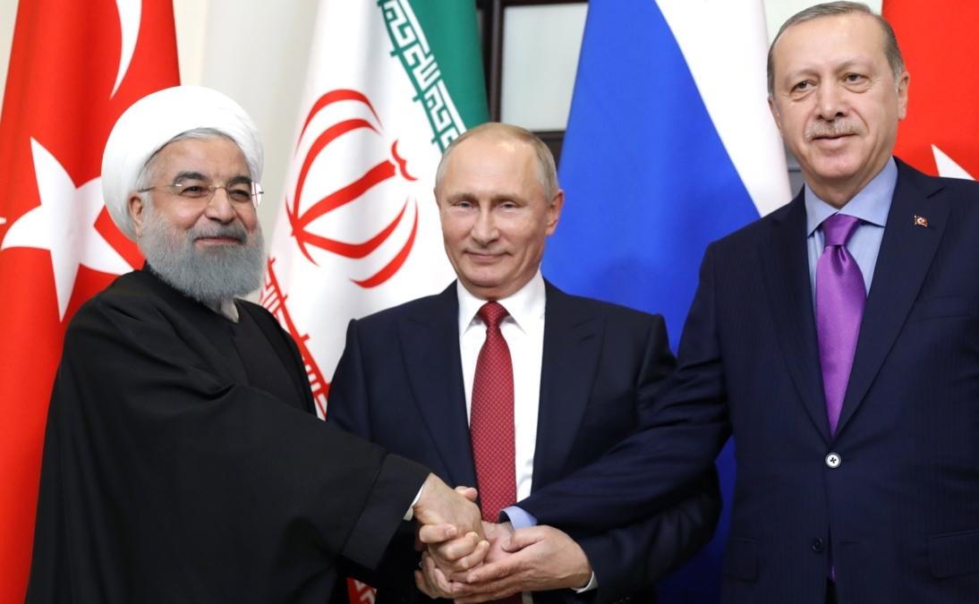 Bildet viser presidentene Rouhani, Putin og Erdoğan.