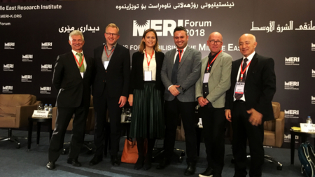 Bildet viser paneldeltakerne Roman Blecua (EUs ambassadør i Irak), Steven Blockmans (CEPS), Tine Gade (NUPI), Kamaran Palani Mohammed (MERI), Morten Bøås (NUPI), Dlawer Ala'Aldeen (MERI)