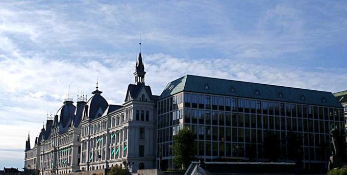 "Bilde av Victoria terrasse i Oslo; der ligger ""Hjemme-UD""."