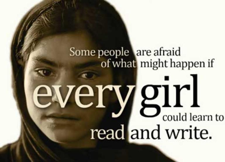 Bilde av kampanjeplakat for utdanning av jenter i Pakistan