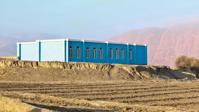 Bilde av norskbygd skole i Afghanistan