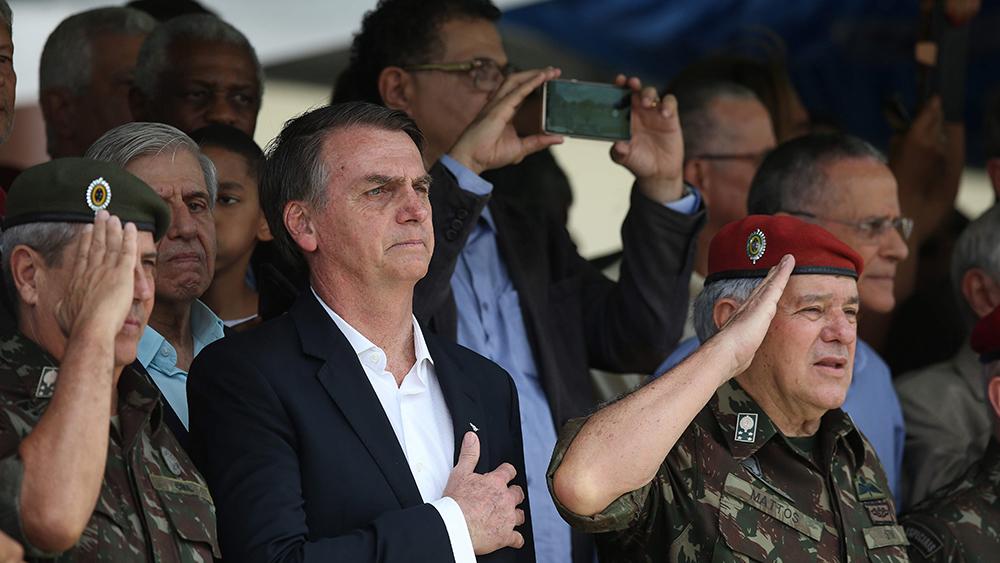 Bildet viser Brasils president Jair Bolsonoro