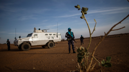Bildet viser en FN-soldat i Mali