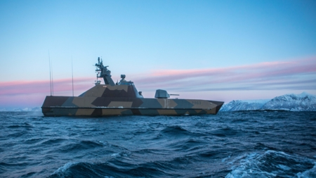 The image shows Norwegian KNM Steil during Arctic Hawk exercise 2019