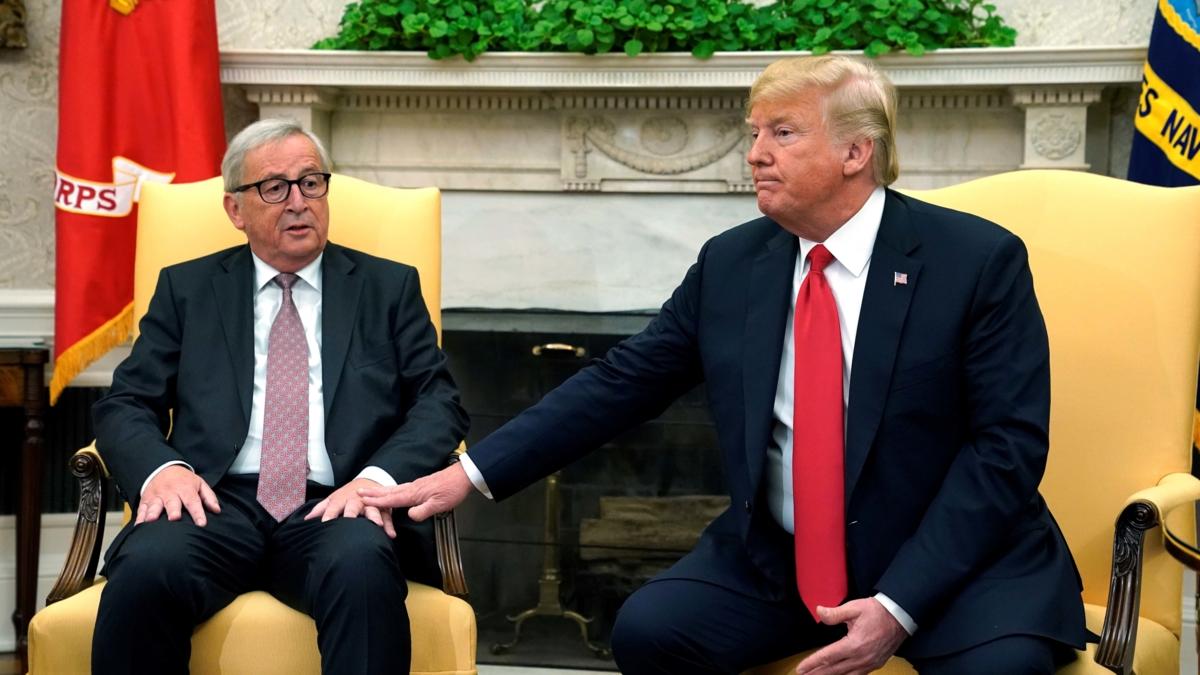 Bildet viser EU-kommisjonens president, Jean-Claude Juncker og USAs president, Donald Trump