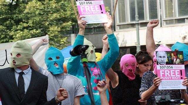 Demonstrasjon i Berlin for å få frigitt Pussy Riot.