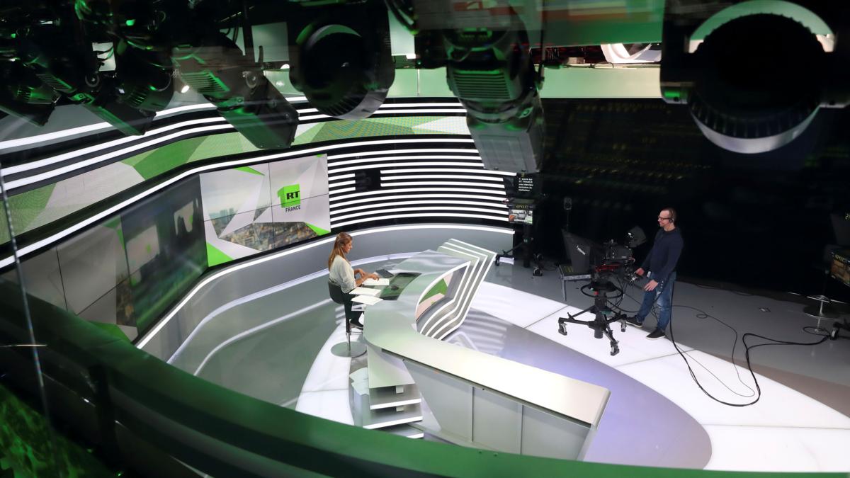Bildet viser et tv-studio his den russiske TV-kanalen RT