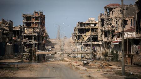 Bildet viser byen Sirte i Libya, som ble fullstendig ødelagt av kamper i 2011.