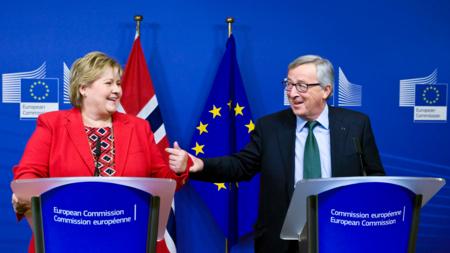 Bildet viser statsminister Erna Solberg og EU-kommisjonens president Jean-Claude Juncker