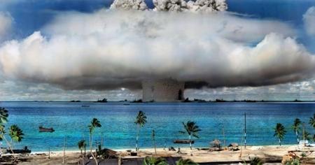 Bildet viser en atomvåpentest på Marshall-øyene i 1946