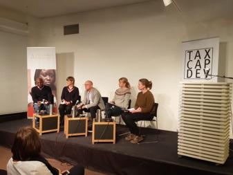 """Visning av dokumentarfilmen """"Code Minier – Conflict and mineral resources in DR Congo"""" av Bodil Furu. Fra venstre: Aloys Tegera (Pole Institute), Bodil Furu (filmskaper), Morten Bøås (NUPI) og Gunnell Sandanger (Regnskogfondet)."""